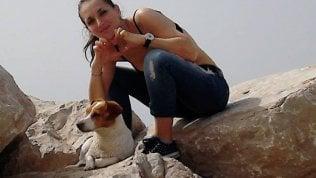 Foggia, 28enne insegue il cane che le era sfuggito e viene travolta dal treno